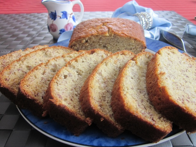 Banana walnut cake_4929