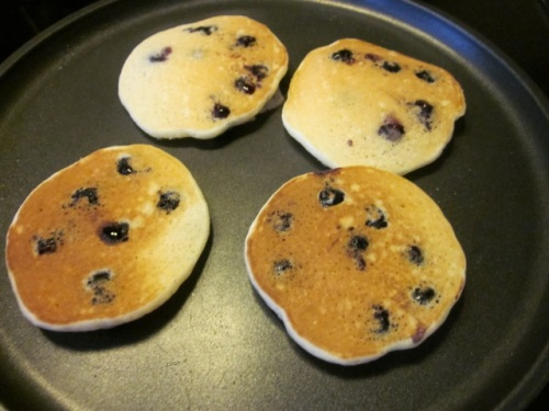 Blueberry pikelets_5555
