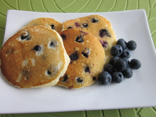 Blueberry pikelets_5578