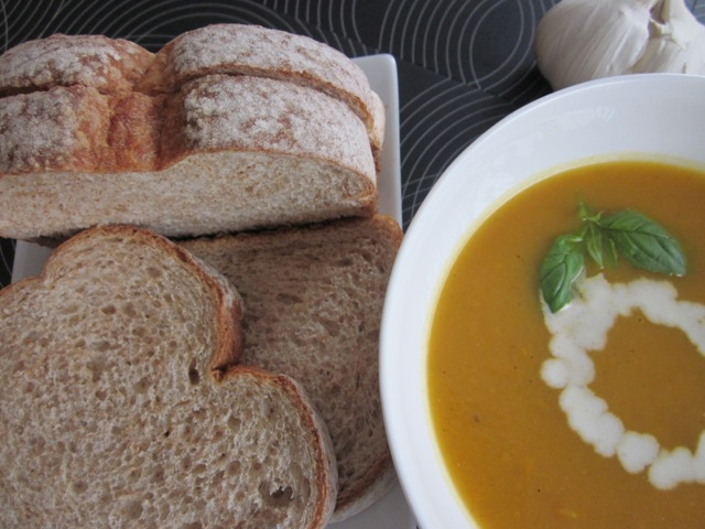 Carrot & sweetpotato soup_6061