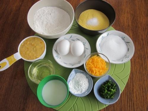 Cheese & cornmeal muffins_6084