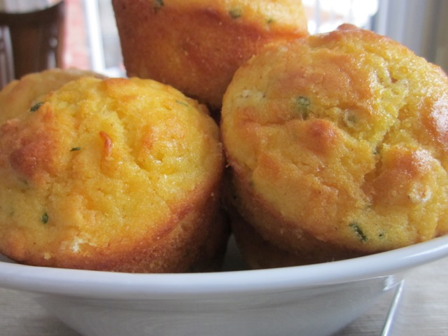 Cheese & Cornmeal Muffin_6180