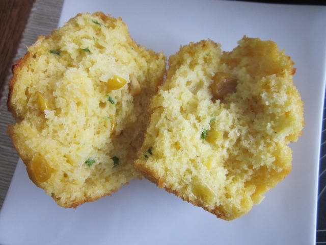 Cheese & Cornmeal Muffins_6192