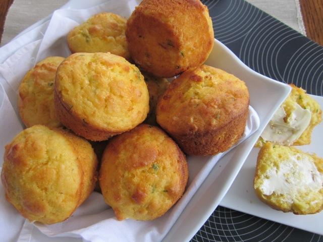 Cheese & Cornmeal Muffins_6203