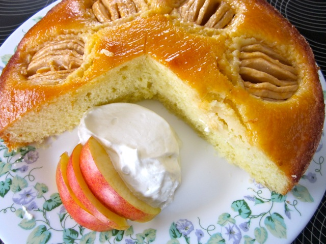Apple Cake with Apricot Cake Glazing_7901