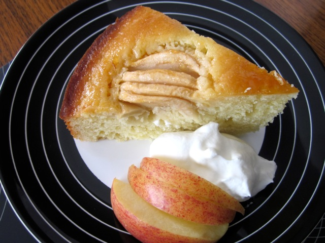 Apple Cake with Apricot Jam Glazing_7893