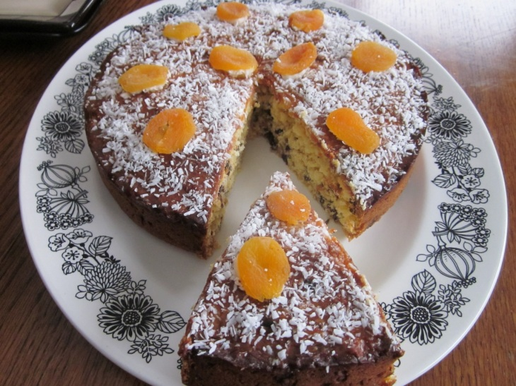 Apricot Choc Chip & Coconut Cake_8081