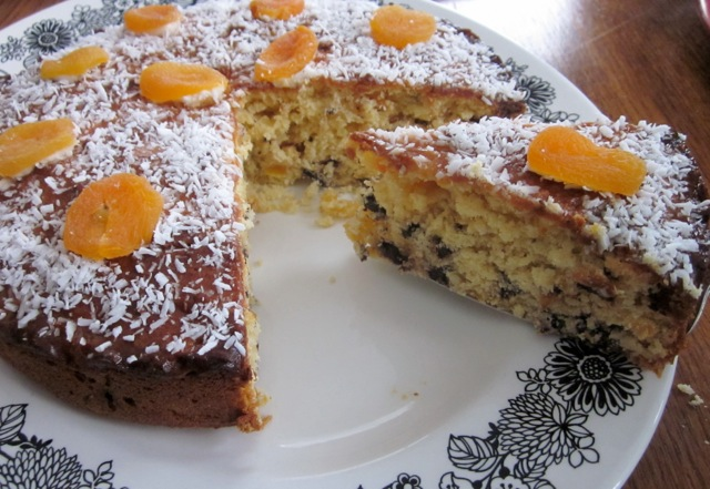 Apricot Choc Chip & Coconut Cake_8090