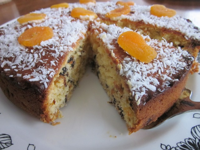 Apricot Choc Chip & Coconut Cake_8109
