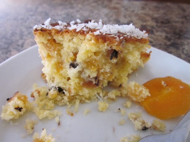 Apricot Choc Chip & Coconut Cake_8175