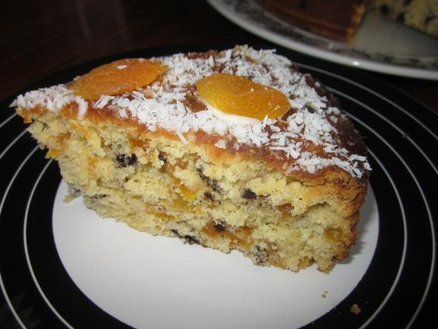 Apricot Choc Chip & Sultana Cake_8101