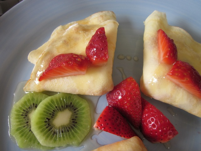 Crepe with Strawberries & Cream_9309