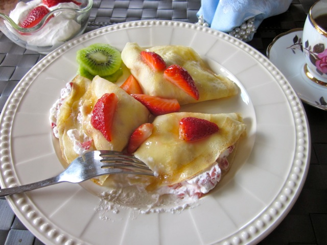 Crepe with Strawberries & Cream_9334_2