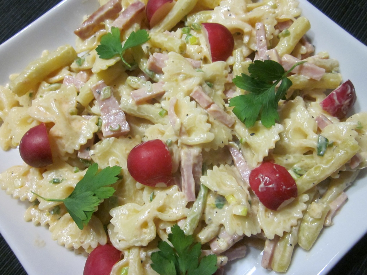 Pasta Salad with Beans and Ham
