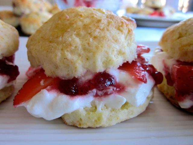 Buttermilk Scones with Strawberries & Cream_8966_2