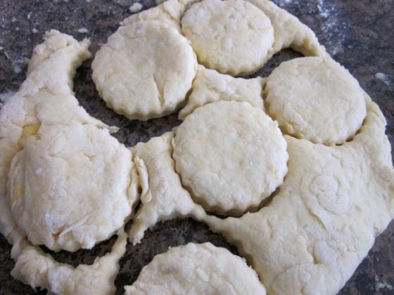 Buttermilk Scones with Strawberris & Cream_8897