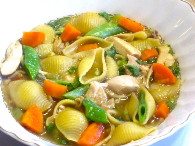Chicken-Pasta Soup with Sugar Snap Peas_1551