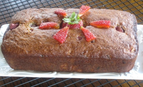 Banana Strawberry Bread with Chocolate Chips myfavouritepastime.com_5500