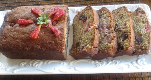 Banana Strawberry Bread with Chocolate Chips myfavouritepastime.com_5511