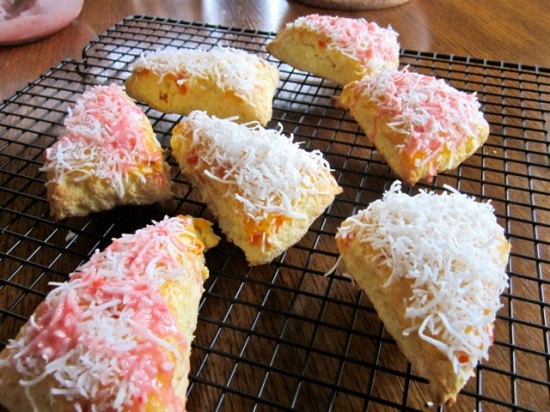 Coconut Papaya Scones with Strawberries myfavouritepastime.com_4989