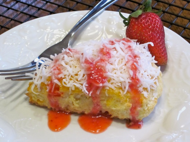 Coconut Papaya Scones with Strawberries myfavouritepastime.com_5047