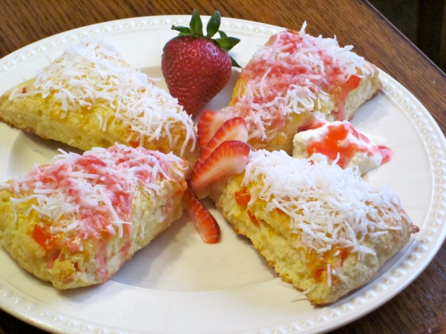 Coconut Papaya Scones with Strawberries myfavouritepastime.com_5060