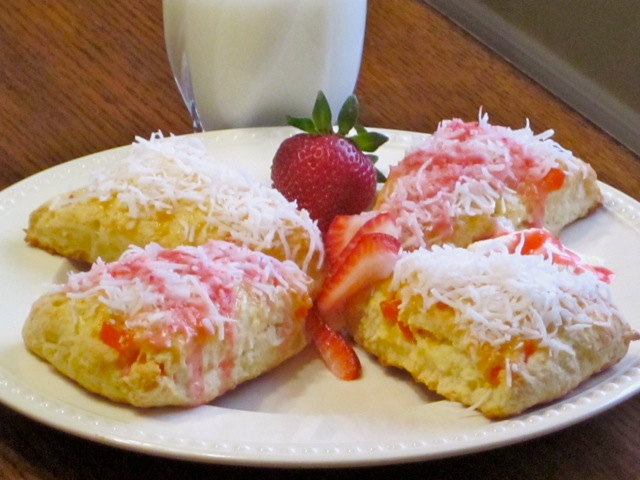 Coconut Papaya Scones with Strawberries myfavouritepastime.com_5065