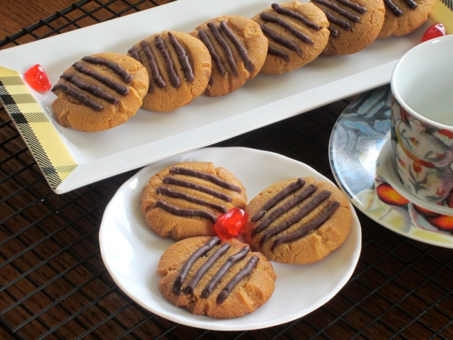 Peanut Butter Cookies myfavouritepastime.com_5808