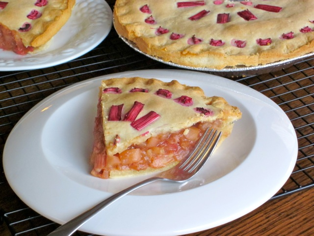 Rhubarb Apple Pear Pie myfavouritepastime.com_6571