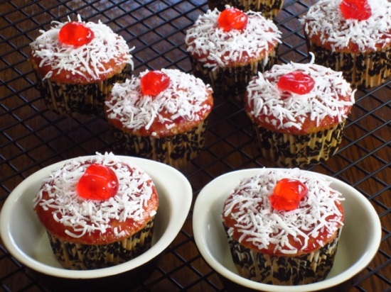 Coconut Topped Cupcakes myfavouritepastime.com_6460
