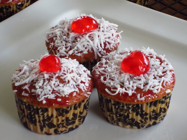 Coconut Topped Cupcakes myfavouritepastime.com_6492