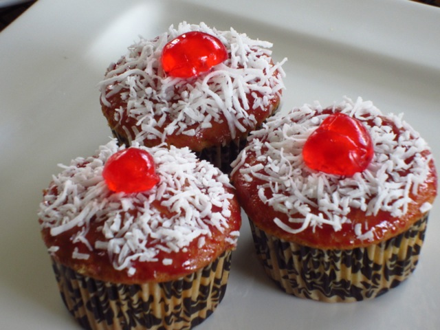 Coconut Topped Cupcakes myfavouritepastime.com_6507