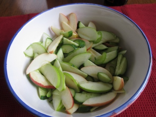 Cucumber, Apple and Celery Salad with Chicken myfavouritepastime.com_7165