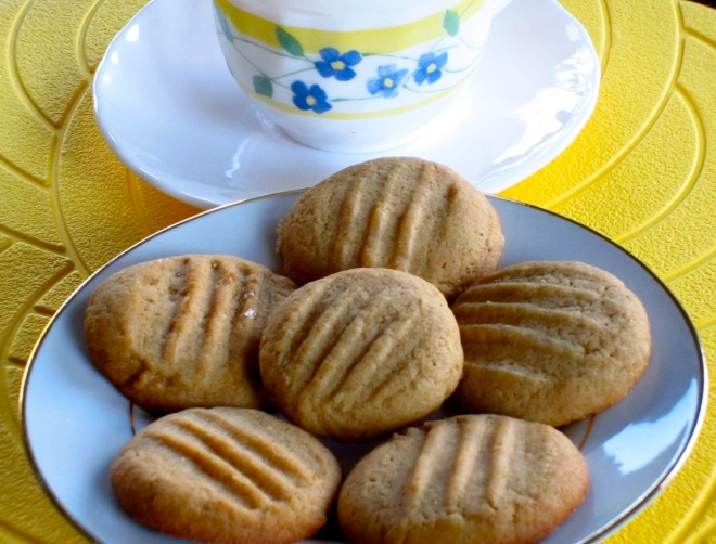 Featured Golden Honey Biscuits myfavouritepastime.com_6355_2