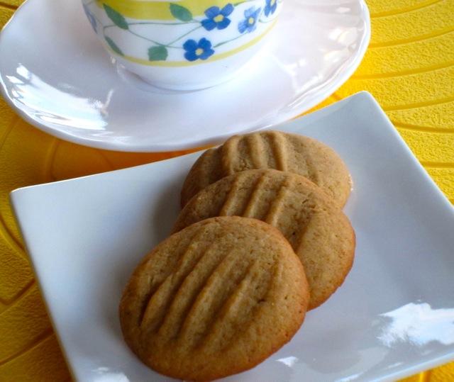 Golden Honey Biscuits myfavouritepastime.com_6369