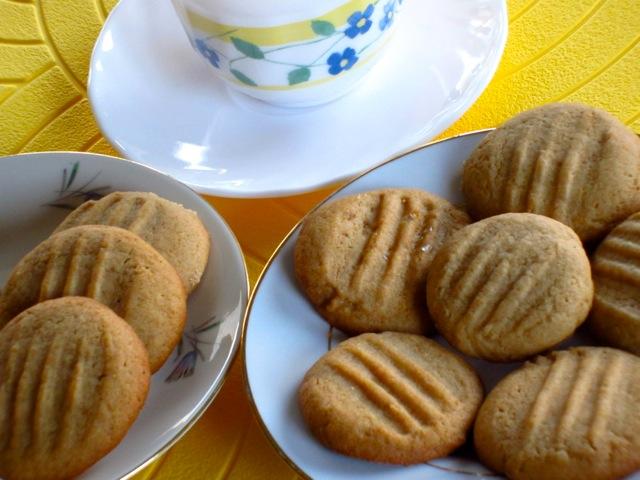 Golden Honey Biscuits myfavouritepastime.com_6382