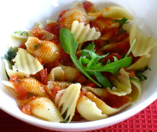 Pasta with Tomato and Balsamic Vinegar Sauce myfavouritepastime.com_6625
