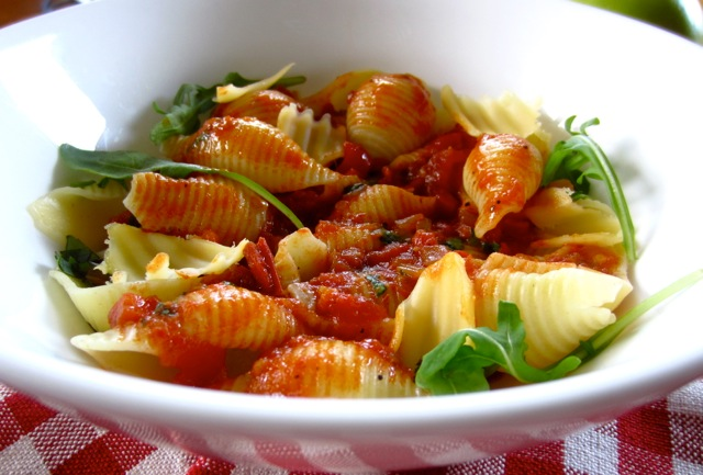 Pasta with Tomato and Balsamic Vinegar Sauce myfavouritepastime.com_6664