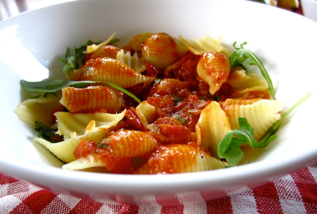 Pasta with Tomato and Balsamic Vinegar Sauce myfavouritepastime.com_6670