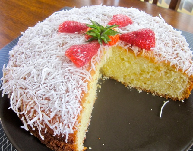 Coconut Milk Cake with White Chocolate Chips myfavouritepastime.com_2745