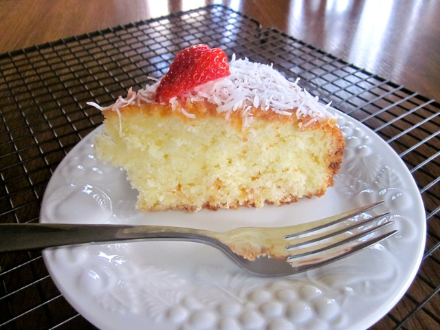 Coconut Milk Cake with White Chocolate Chips myfavouritepastime.com_3033