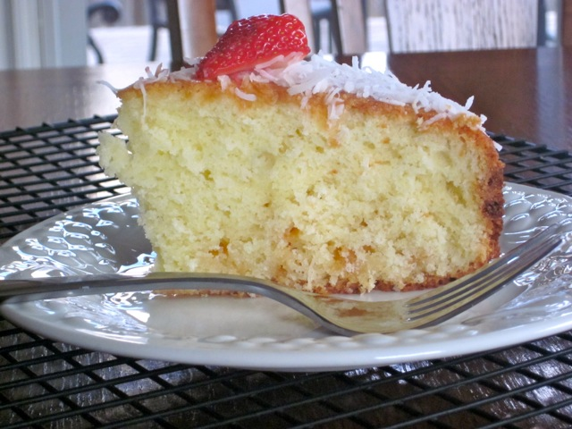 Coconut Milk Cake with White Chocolate Chips myfavouritepastime.com_3035