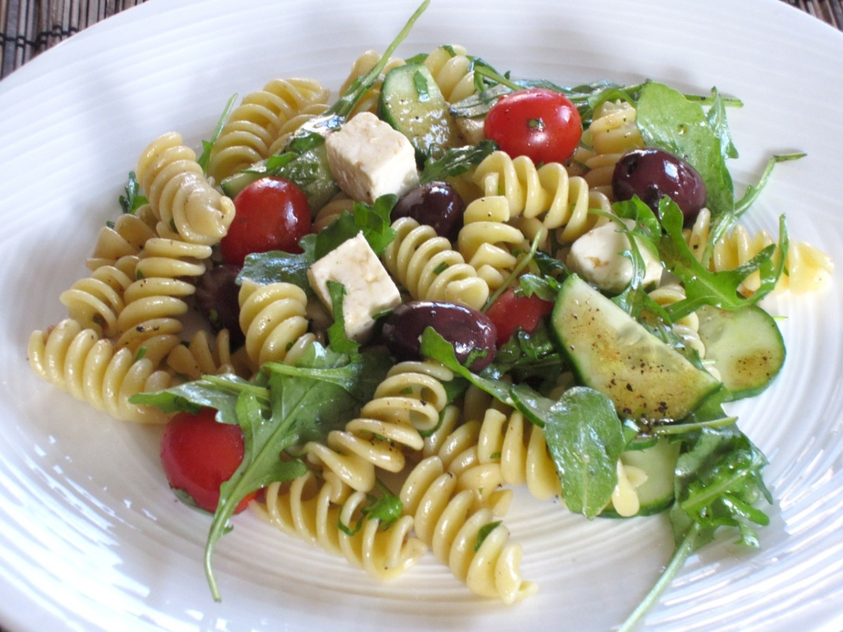 Pasta Salad with Tomatoes, Arugula and Feta – My Favourite ...