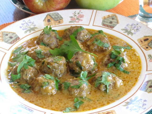 Meatballs in Nutty Coconut Curry myfavouritepastime.com_8601
