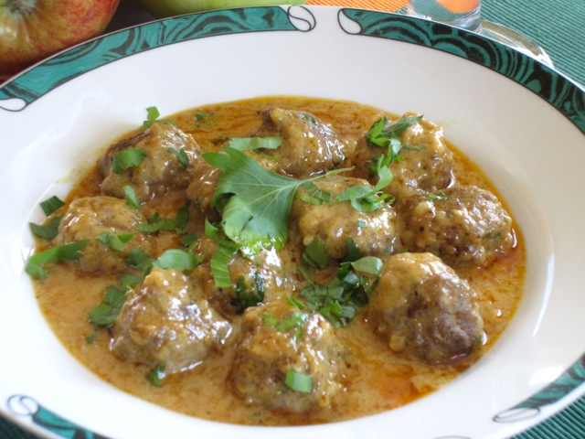 Meatballs in Nutty Coconut Curry myfavouritepastime.com_8624