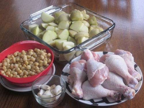 Roasted Chicken with Potatoes and Chickpeas myfavouritepastime.com_9121