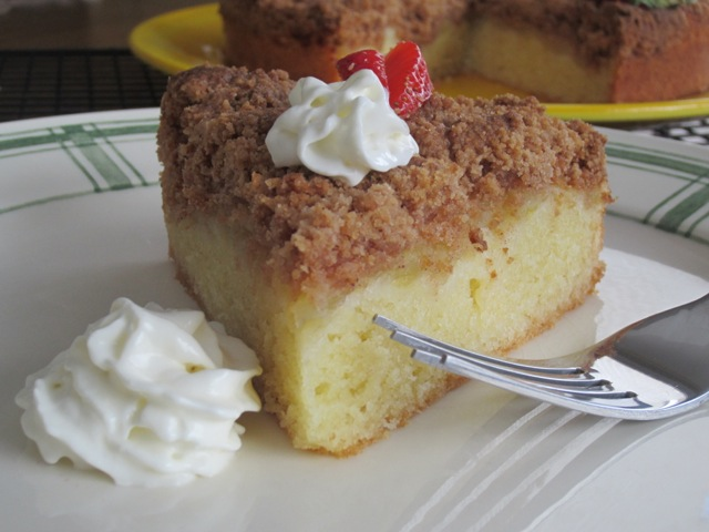 Apple Cinnamon Crumble Cake myfavouritepastime.com_1064