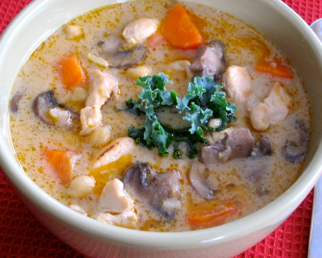 Creamy Coconut Thai Chicken Rice Soup myfavouritepastime.com_9177