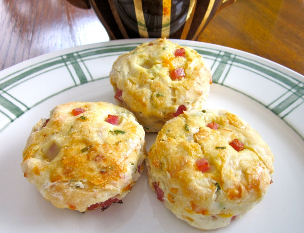 Cheese and Ham Buttermilk Scones – My Favourite Pastime