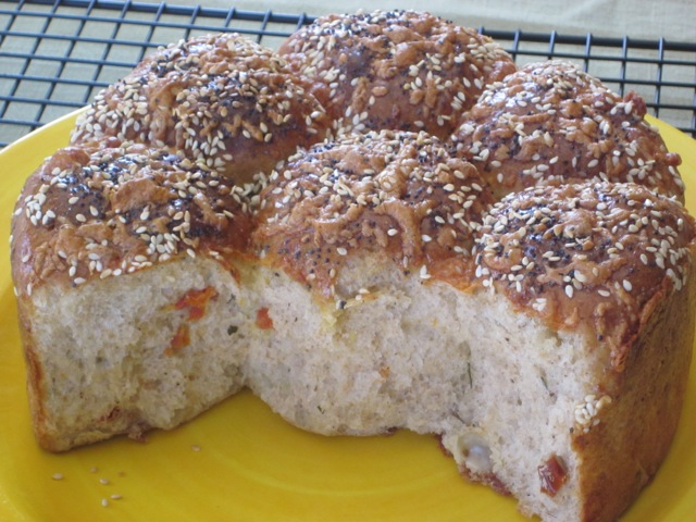 Cheese, Basil and Sun-dried Tomato Bread myfavouritepastime.com_0112